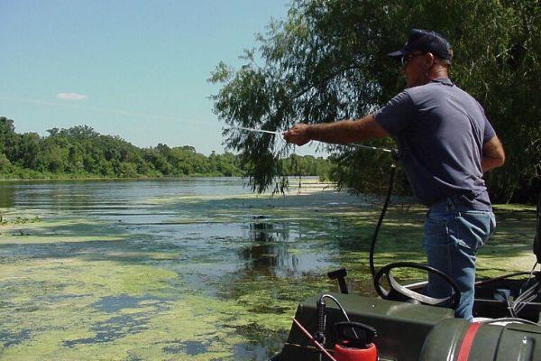 Lake Managment - Applying Aquatic Herbicide